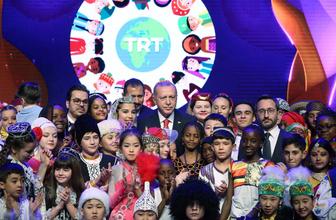 Cumhurbaşkanı Erdoğan ve miniklerin 23 Nisan düeti
