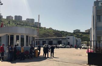 İzmir Çiğli'de arkadaşları çıkarılınca 700 kişi iş bıraktı Görülmemiş protesto