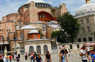 Türkiye turizm geliriyle güldü! Rakam 4.5 milyar doları aştı
