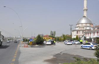 Ankara'daaraç polisuygulama noktasına daldı: 1şehidimiz var