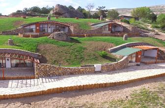 Sivas'ın hobbit evleri büyük ilgi görüyor