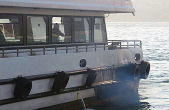 İstanbul'da yolcu teknesi alevlere teslim oldu