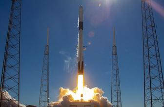 Elon Musk'ın devrim niteliğindeki SpaceX Falcon 9 roketi rüzgara takıldı