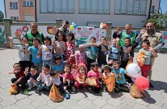 Orta Asya'da yüzler İHH ile güldü