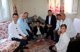 Hatay'da liseli gençler yaptıkları mause ile engelli Ahmet'e umut oldular