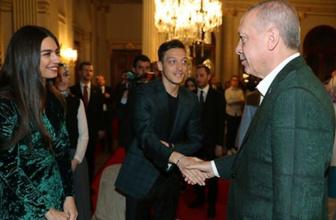 Erdoğan'ın Dolmabahçe'deki iftar yemeğinde Mesut Özil sürprizi!