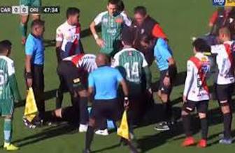 Bolivya'da bir hakem maç sırasında kalp krizi geçirdi