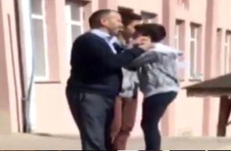Öğretmen, şakalaşan öğrencileri tüm okulun gözü önünde dövdü!
