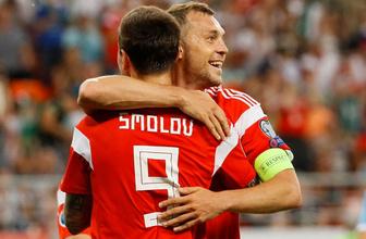 Rusya San Marino'yu gole boğdu