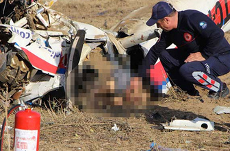 Manavgat'ta uçak kazası! Pilot yaşamını yitirdi, 2 de yaralı var