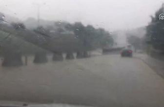 D-100 kara yolu ile bazı cadde ve sokaklarda su birikintisi oluştu