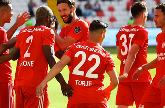 Sivasspor 3 oyuncusuyla yollarını ayırdı hepsine teker teker teşekkür etti