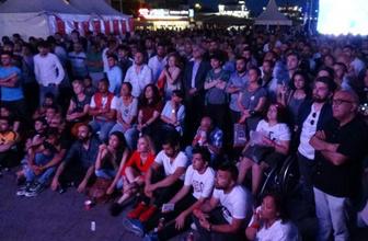 Türkiye dün gece İmamoğlu-Yıldırım canlı yayınına kilitlendi! İşte o anlardan ilginç kareler