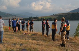 Samsun'da bir kişi otomobilini baraj gölüne sürdü