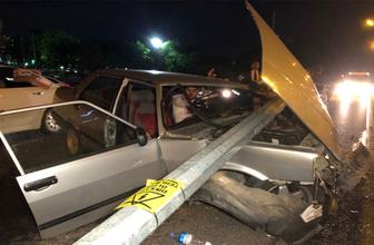 TBMM önünde kaza yapan sürücü otomobil içerisinde sıkıştı