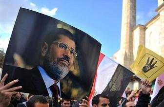 Mursi'nin ölümünde skandal iddia: 20 dakika yerde bekletildi yardım edilmedi