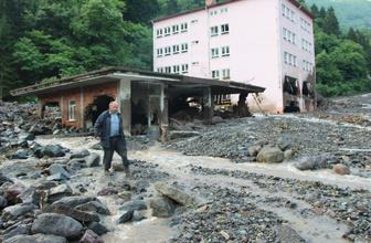 Trabzon'da sel sonrası evlerine ilk kez geldiler