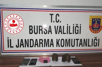 Bursa'da tarihi niteliği olan iki İncil satmaya çalışırken yakalandılar