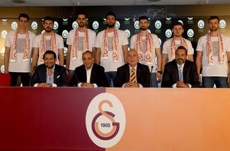Galatasaray'da 7 imza birden