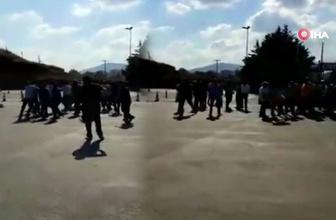 Elektroşok cihazıyla görevlilere saldıran şahıs kamerada
