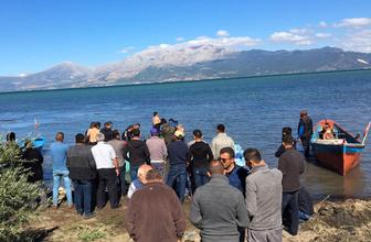 Eğirdir Gölü'ne açılan AK Parti yöneticisi kayboldu