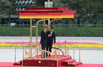Cumhurbaşkanı Recep Tayyip Erdoğan Erdoğan, Çin'de resmi törenle karşılandı