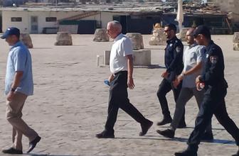 İsrailli bakan ve onlarca fanatik Yahudi Mescid-i Aksa'yı bastı