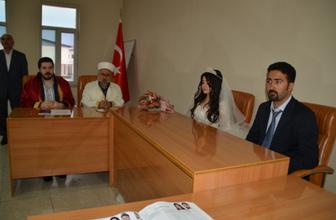 Ağrı Belediye Başkanı Savcı Sayan'dan dini nikah kararı