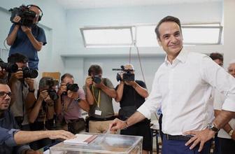 Yunanistan seçimlerini Miçotakis önde tamamladı