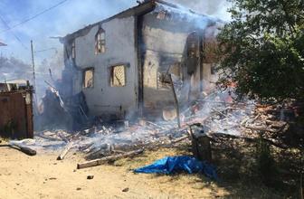 Kastamonu'da yangın! 6 ev kül oldu