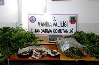 Manisa'da uyuşturucu üreten baba ve oğlu yakalandı