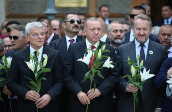 Cumhurbaşkanı Erdoğan Srebrenitsa Soykırımı kurbanları anısına düzenlenen geçit törenine katıldı