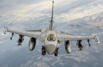 TSK ait hava unsurları Kuzey Irak'ta PKK sığınakları bombalandı