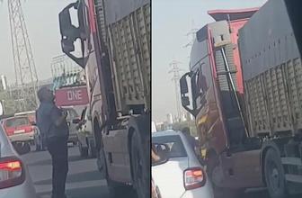 İzmir'de TIR sürücüsü aracını tartıştığı kişinin üzerine sürdü