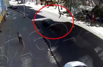 Otomobil çarptı, metrelerce havaya fırladı