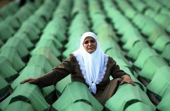 Srebrenitsa katliamı nedir nasıl oldu Srebrenitsa katliamı kim yaptı?