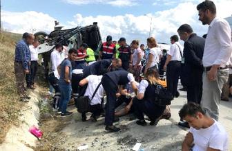 İstanbul'da servis midibüsü devrildi! Çok sayıda yaralı