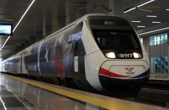 Yüksek Hızlı Tren 15 Temmuz'a özel giydirildi görenler heyecanını gizleyemedi