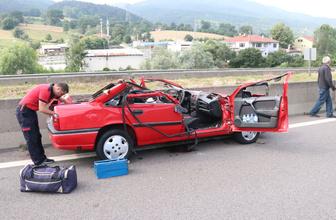 Anadolu Otoyolu'nda dehşet kaza aracın üstü koptu!  1 ölü 2 yaralı