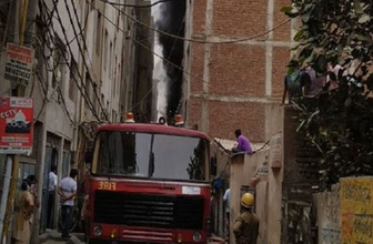 Hindistan'da kauçuk fabrikasında yangın: 3 ölü