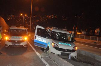 Alkollü sürücüyü kovalayan polis aracı kaza yaptı