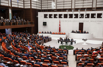 Meclis'teki 15 Temmuz oturumunda gergin dakikalar! FETÖ sözleri damga vurdu