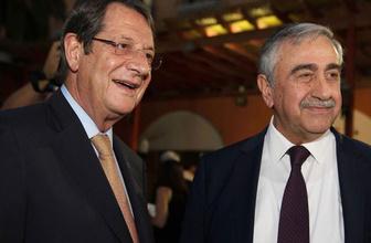Rum yönetimi lideri Anastasiadis'ten son dakika çağrı