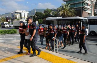 Alanya'da yabancı uyruklu kadınlara fuhuş yaptırıyorlardı! 5'i tutuklandı