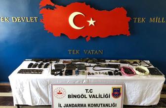 Öldürülen 8 teröristten çok sayıda mühimmat ele geçirildi