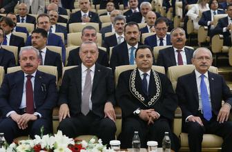 Cumhurbaşkanı Erdoğan AYM'de Selahaddin Menteş'in yemin törenine katıldı