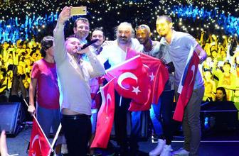 Şarkıcı Volkan Konak İBB Başkanı Ekrem İmamoğlu'na övgü yağdırdı