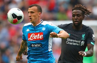 Napoli Liverpool'u dağıttı