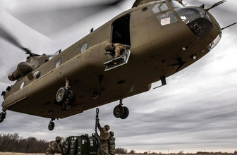 ABD Türkiye'ye dört tane Boeing CH-47F Chinook tipi helikopter teslim etti