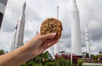 Dünyaca ünlü otel zincirinden ilginç deney! Uzayda kurabiye pişirecek